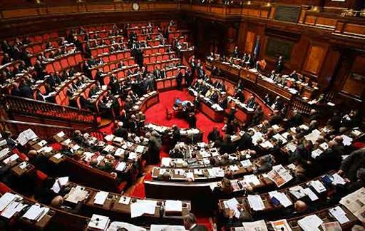 Crisi di Governo, un'immagine del parlamento italiano